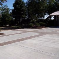 Commercial-driveway-004